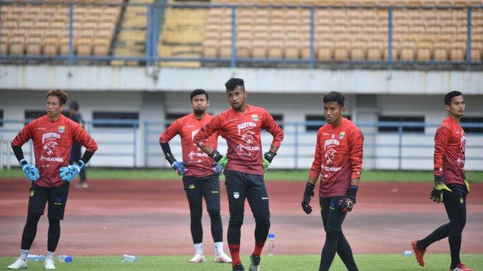Gawang Persib Bandung Bakal Kokoh karena Diperkuat 4 Kiper Kaliber Timnas, Siapa Pilihan Utama?