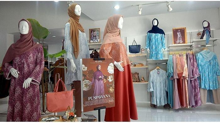 Koleksi Terbaru Elzatta, Puspawana, Buat Penampilan Hijaber Makin Feminin