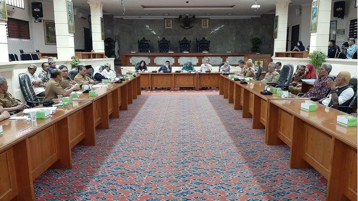 Wakil Ketua DPRD Kota Cirebon Berharap Kinerja Dewan Tak Terganggu Meski Fitria Positif Covid-19