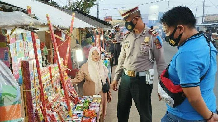 Polsek Pamanukan Subang Amakan Puluhan Dus Petasan Saat Gelar Patroli KRYD