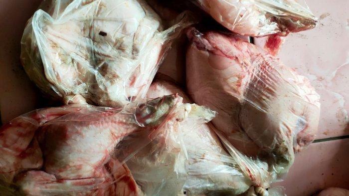 Warga KBB Kembali Dapat Bantuan Pangan Bermasalah, Daging Sudah Busuk dan Telur Ada Belatung