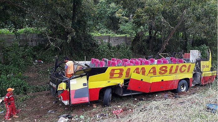 Sopir Bus Bima Suci yang Kecelakaan di Tol Cipularang Mengalami Patah Selangka dan Luka di Kepala