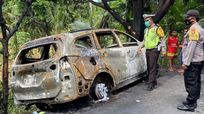 Kondisi mobil yang ditumpangi pilot dan selebgram Athira Farina seusai mengalami kecelakaan lalu lintas di jalan Dusun Pelilit, Nusa Penida, Klungkung, Bali, pada Senin (15/2/2021) siang.(Polsek Nusa Penida via kompas.com)