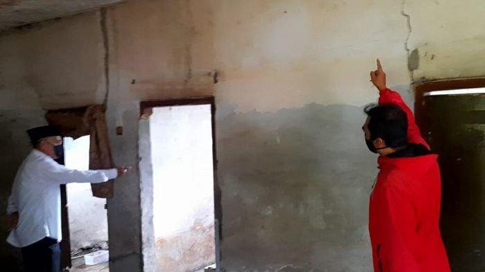 Warga Kampung Bojot Bertahan di Lokasi Pergerakan Tanah, Andalkan Bunyi Kohkol Tanda Bahaya Muncul