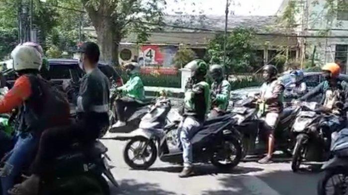 Unjuk Rasa di Balai Kota Bandung Chaos, Suara Ledakan Terdengar dan Dua Orang Diamankan