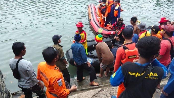 Dian Luthfi Korban Tenggelam di Perairan Santolo Ditemukan Tim SAR 5 KM dari Lokasi Tenggelam