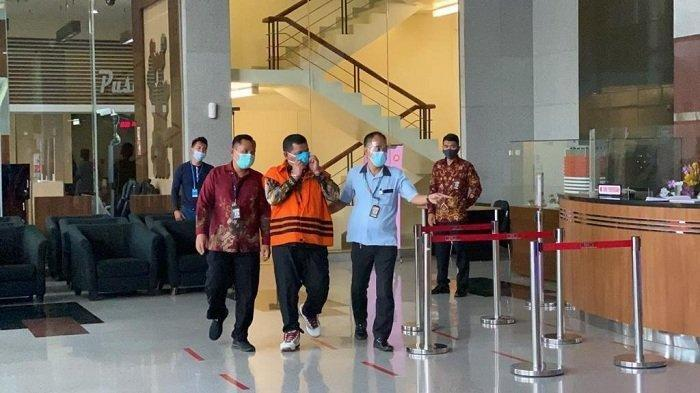 KPK Tahan Totoh Gunawan, Bupati Bandung Barat Aa Umbara dan Anaknya Sakit Setelah jadi Tersangka