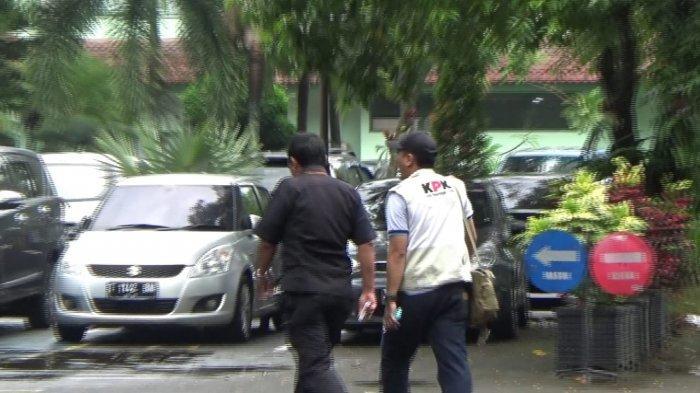 Sudah Tujuh Jam KPK Ada di Kantor Pusat Perum Jasa Tirta II Jatiluhur, Periksa Ruangan dan Mobil