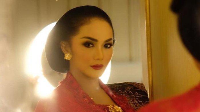 Krisdayanti Dilantik Jadi DPR RI, Cantik Awet Muda Berkebaya Merah, Para Artis Kondang Beri Pujian