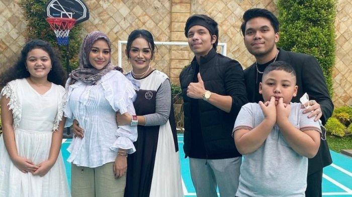 Menikahi Aurel Hermansyah, Pengeluaran Atta Halilintar Bertambah, Harus Beri Hadiah untuk 15 Adik