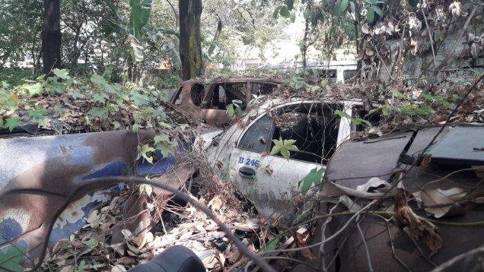 Menengok Kuburan Mobil Bekas Kecelakaan, Ini Barang Korban Meninggal Dunia yang Masih Utuh