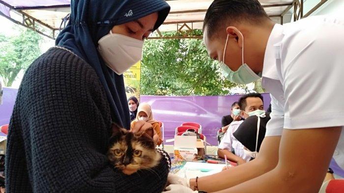 Mumpung Gratis, Warga Kota Tasik Bawa Hewan Peliharaan Dapatkan Vaksinasi Rabies