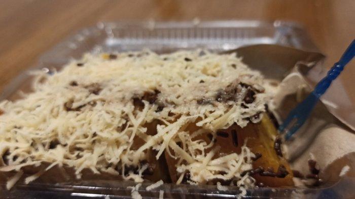 Kuliner Malam Bandung, Sajian Pisang Jumbo dengan Taburan Keju dan Cokelat Melimpah