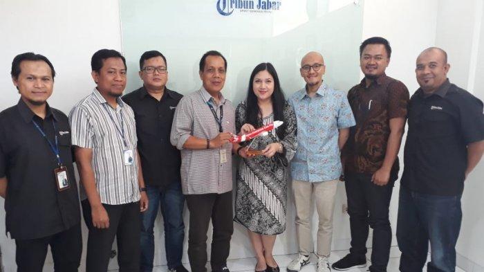 Tim Komunikasi AirAsia Kunjungi Tribun Jabar, Bahas Penerbangan Kertajati-Surabaya dan Kerja Sama