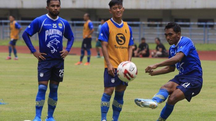 Berita Persib Bandung - Frets Butuan Setuju Turnamen Pramusim dan Liga 1 Digelar Tanpa Penonton
