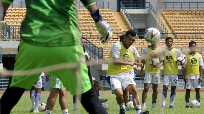 Gelandang Persib Bandung Tak Sabar Tampil di Asia Challenge 2020