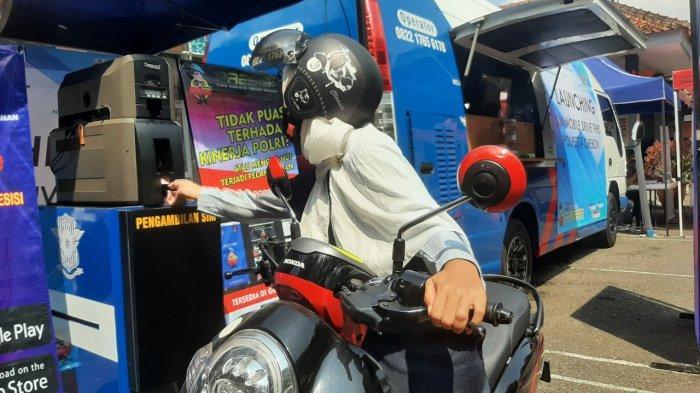 Polresta Cirebon Luncurkan Pelayanan SIM Drive Thru, Perpanjang Masa Berlaku SIM Selesai 5 Menit