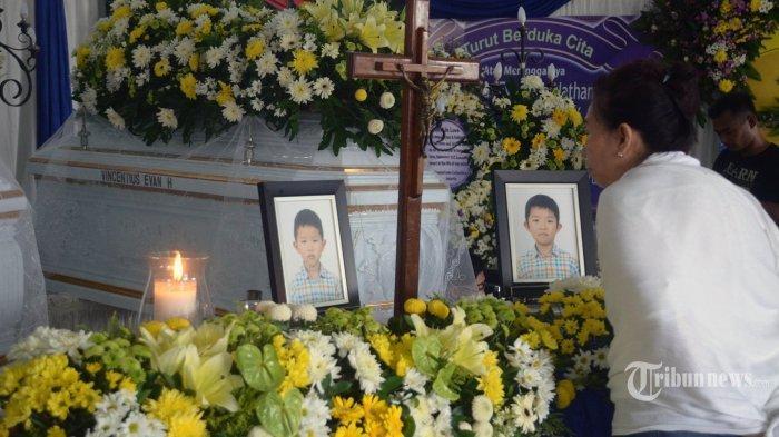 ledakan-bom-bunuh-diri-di-gereja-katolik-santa-maria-tak-bercela-surabaya.jpg