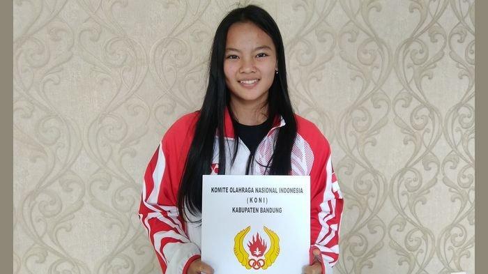 Lifter Cantik ini dan 5 Atlet Berprestasi Lainnya Dapat Apresiasi dan Kadeudeuh dari Pemkab Bandung