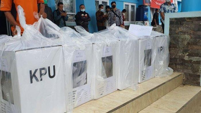 Logistik Pilkada Cianjur Dikawal 10 Polisi, Hari Ini Truk Distribusi untuk 8 Kecamatan di Selatan