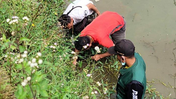 Tahun Baru di Pagerageung Kabupaten Tasik Dimeriahkan Lomba Ngurek Belut, Lestarikan Tradisi Sunda
