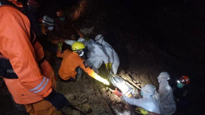 UPDATE Longsor Cimanggung, 3 Korban Ditemukan di Rumah Hajatan dan Lapangan Voli, 12 Masih Hilang