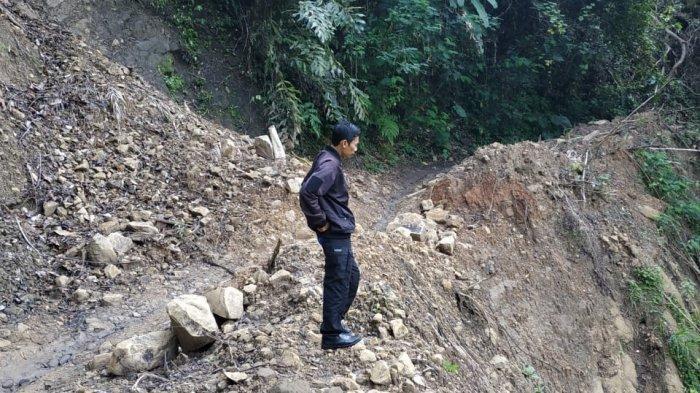 Tebing Longsor di Cidadap Sukabumi Rusak Irigasi dan Tutup Jalan Kabupaten, Ini Pemicunya