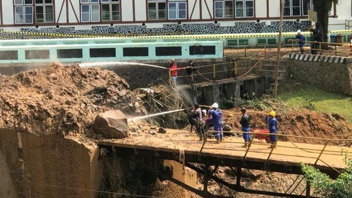 Jalan dan Jembatan Turut Tertimbun Material Longsor, BPBD Kabupaten Bandung Pastikan Tak Ada Korban