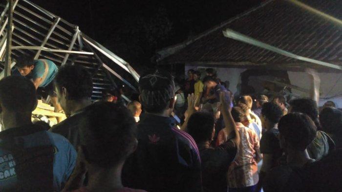 BREAKING NEWS, Dua Warga Tewas Tertimbun Longsor di Purwakarta