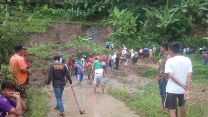 Longsor di Cisolok Sukabumi, Akses Jalan Satu Kampung Tertutup