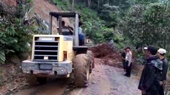 Banyak Titik Rawan Bencana di Garut, Alat Berat Pun Disiagakan di Jalur Mudik
