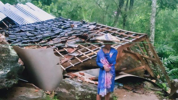 Longsor Terjang Dua Kampung di Cidaun Cianjur, Sebuah Rumah Ambruk dan 400 Jiwa Mengungsi