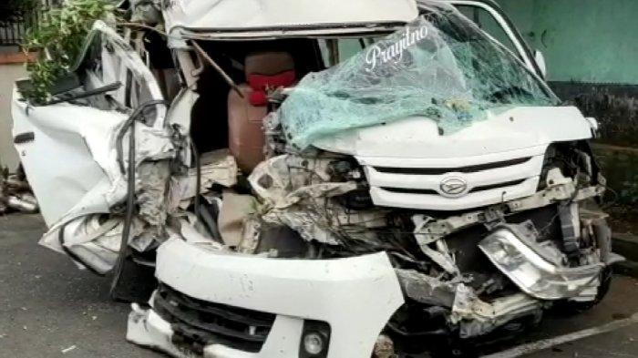 Mobil Berisi Rombongan Perantau Asal Cilacap Tabrakan dengan Bus di Tasik, 1 Tewas, Ini Identitasnya