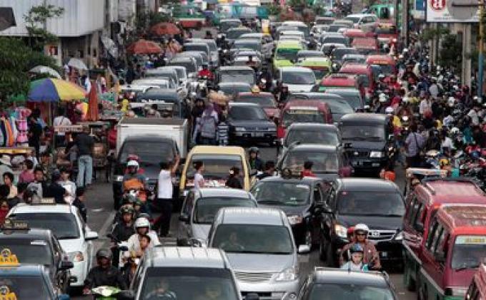 Wali Kota Ikut Tertibkan Parkir di Pasar Baru