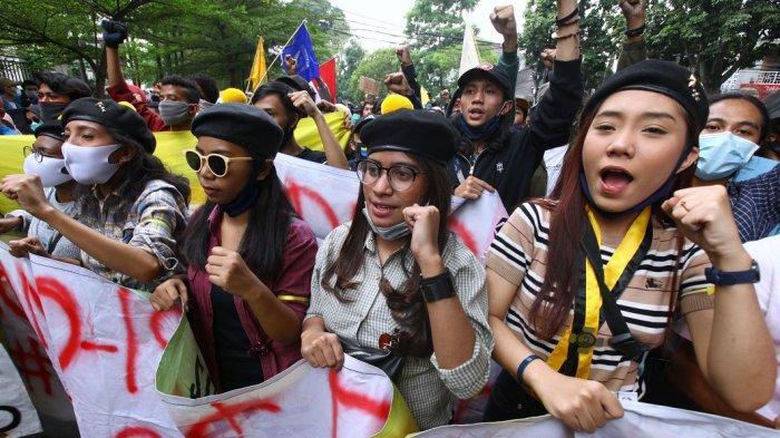 MK Terima 2 Ajuan Uji Materi UU Cipta Kerja,Prabowo Bicara hingga Emil Koordinasi dengan Presiden