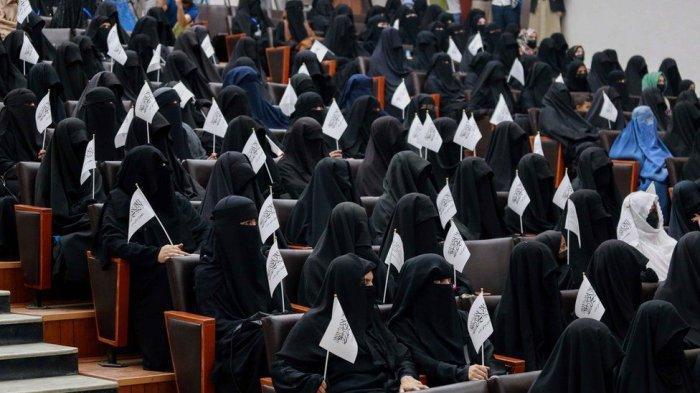 Guru di Afghanistan Akan Mengajar Siswi dari Balik Tirai, Perempuan dan Pria Dipisah saat Sekolah
