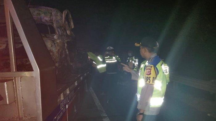 BREAKING NEWS Mobil Pikap Tabrak APV di Tol Cipali Majalengka, 5 Meninggal 3 Luka-luka