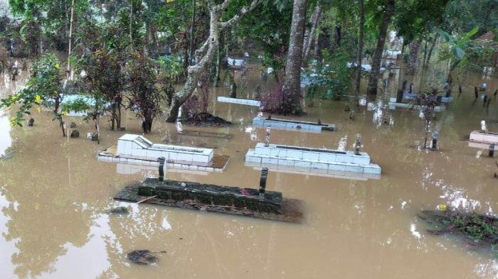 Pemakaman di Sukaresik Tasik Ikut Kebanjiran, Jika Ada yang Meninggal Tak Bisa Langsung Dikuburkan
