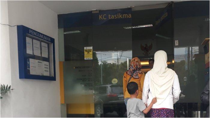 Saldo Tiba-Tiba Rp 0, Sejumlah Nasabah Datangi KCP Bank Mandiri Tasikmalaya