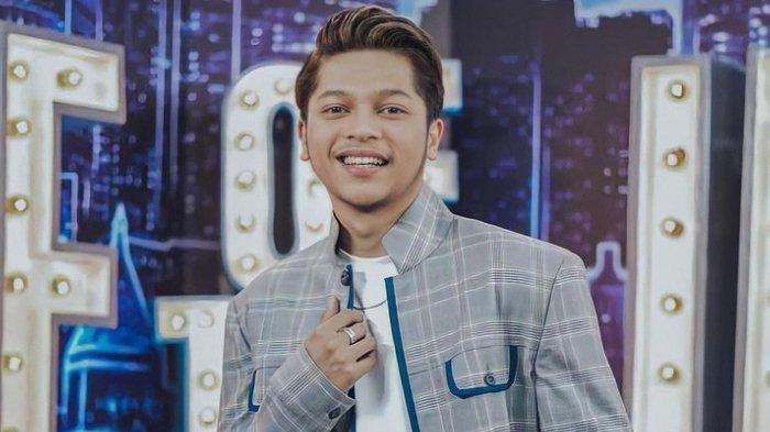 Mark Natama, Juara 2 Indonesian Idol 2021, Si Ganteng Bersuara Keren, Ini Biodata Lengkapnya