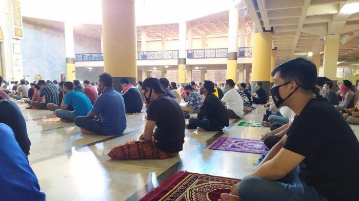 Pemerintah Izinkan Salat Tarawih, Malam Ramadan yang Syahdu Akan Kembali Terasa di Masjid Agung