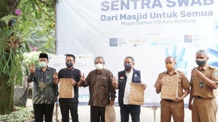Masjid Salman ITB menjadi masjid sentra vaksinasi pertama di Jawa Barat