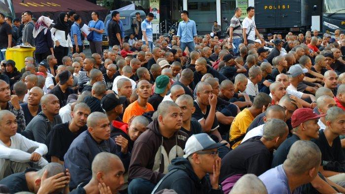 Polisi Pulangkan 293 Pemuda Berpakaian Hitam yang Ditangkap Saat May Day, Bagaimana yang Lainnya?