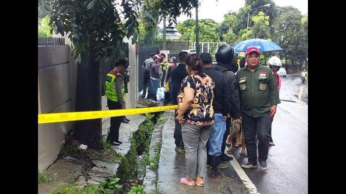 Polisi Periksa 6 Saksi Terkait Penemuan Mayat Perempuan di Selokan di Lembang
