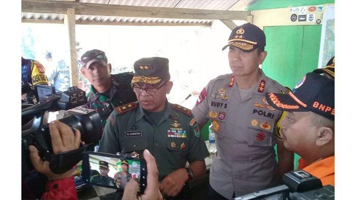 Anggota TNI dan Polri Jaga Semua Jalur Pendakian di Gunung Ciremai