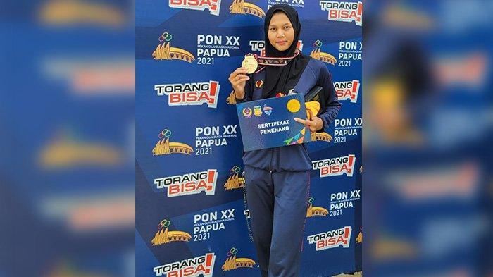 Melani Putri, atlet dayung asal Karawang, peraih tiga medali emas di PON Papua 2021.