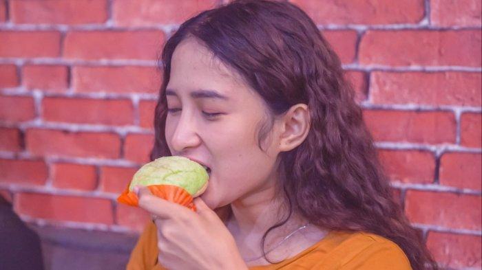 Penggemar Roti dan Anime, Yuk Icipi Melonpan, Ada di Bandung Loh, Roti Crunchy dengan Taburan Gula