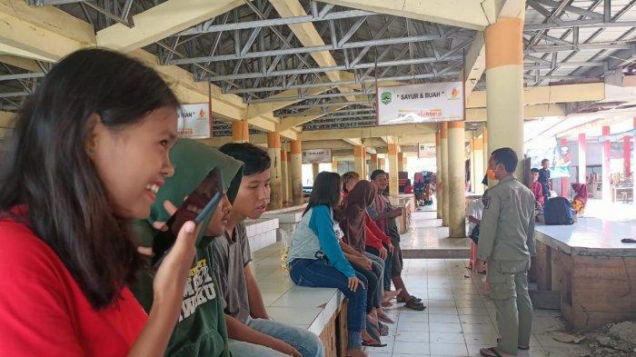 Bulan Ramadan, Satpol PP Bubarkan Muda-mudi di Majalengka yang Asyik Makan di Tempat Umum