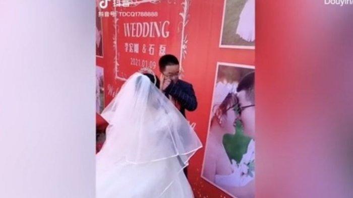 Mempelai Pria Menangis di Hari Pernikahan karena Tamu Tak Ada yang Datang, Ini Faktanya