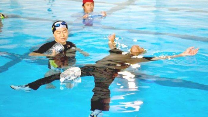Teknik Uitemate, Cara Bertahan Hidup di Air: Jangan Paksa Dirimu untuk Berenang